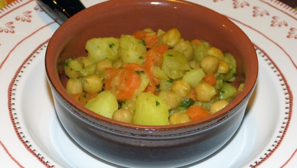 Ceci e patate al curry